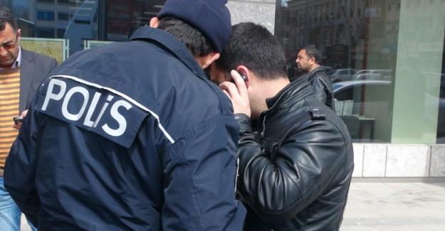 Polisin Zor Anları! Sürücünün Ölüm Haberini Telefonda Verdi