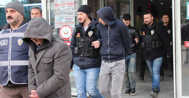 Interpol Kırmızı Bültenle Arıyordu! Yakalandı