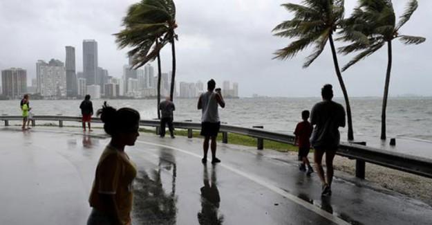 'Irma' Florida'ya Ulaştı!