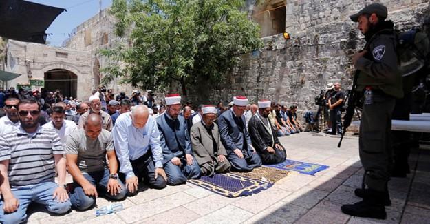 İsrail Mescid-i Aksa'yı İbadete Açtı! Ancak Zulüm Bitmedi