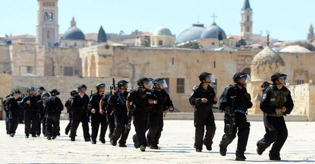 İsrail Polisi Kudüs Müftüsü'nü Gözaltına Aldı!