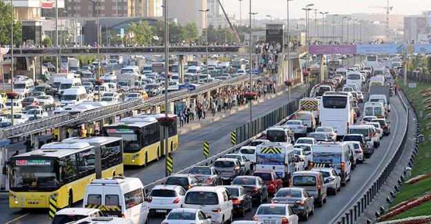 İstanbullular Dikkat! İşte Trafiğin Kilit Olduğu Yerler