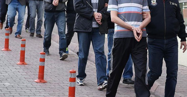 İzmir'de FETÖ Operasyonu! 37 Gözaltı