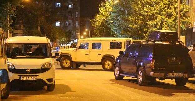 Jandarma Karakoluna Bomba Yüklü Araçla Saldırı!