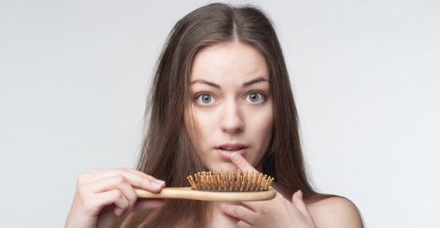 Kadınlarda Aşırı Saç Dökülmesinin Bilinmeyen Nedenleri!