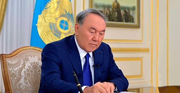 Kazakistan'da Vatandaşlıktan Çıkartma Yasası Düzenlemesi