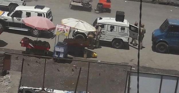 Keşmir'de 2 Direnişçi Öldürüldü
