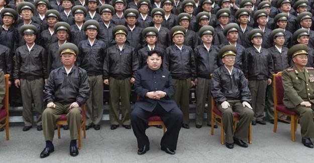 Kuzey Kore Sallanıyor!