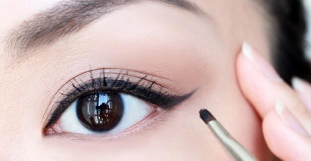 Mükemmel Eyeliner Uygulaması İçin Yapılması Gerekenler!