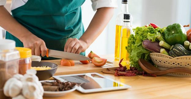 Mutfakta Herkesin Doğru Olarak Bildiği Yanlış Uygulamalar!