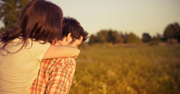 Neden Hep Yanlış İnsana Aşık Oluruz?