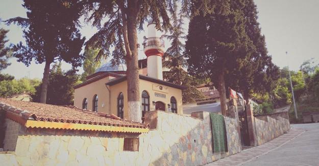 Osmanlı'nın İlk Mescidi 'Kuyulu Mescit' Turistlerden Büyük İlgi Gördü