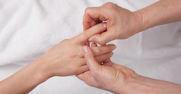 Parmaklarımızı Neden Çıtlatıyoruz?