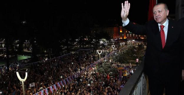 Reis-i Cumhur Erdoğan AK Parti Trabzon İl Başkanlığını Ziyaret Etti