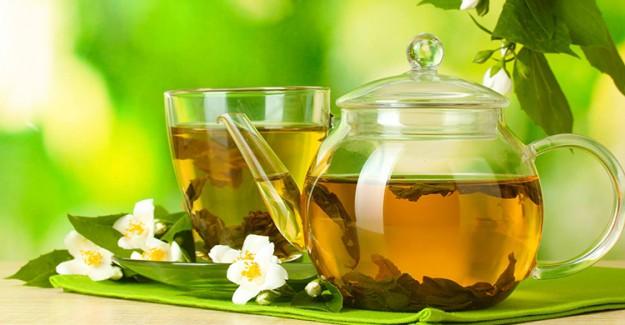 Saç Tellerinizi Yeşil Çay İle Güçlendirin!