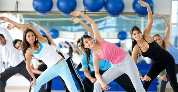 Sarkık Kollarınıza Veda Etmenize Yardımcı Olacak En Etkili Egzersiz Programları!