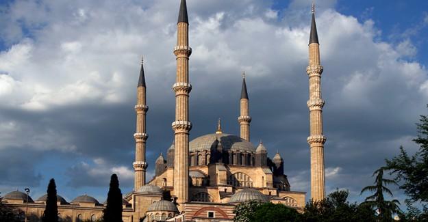 Selimiye 'nin İlmek İlmek İşlenen Camisi