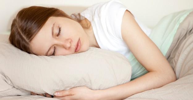 Sıcak Havalarda Uyku Problemi Çekenler Dikkat!