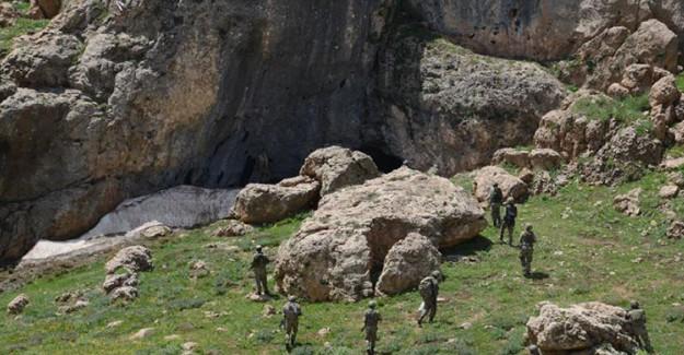 Siirt'te PKK'nın Sığınakları İmha Edildi