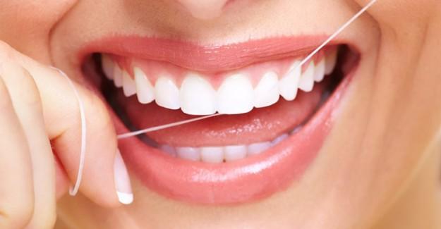 Sürekli Diş Etleriniz Kanıyorsa Dikkat! O Hastalığa Yakalanmış Olabilirsiniz