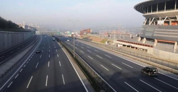 Tatilciler Gitti, İstanbul'da Yollar Boş Kaldı!