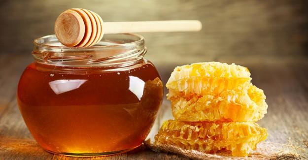 Tatlılarınıza Beyaz Şeker Yerine Bal Koyduğunuzda Bakın Ne Oluyor!