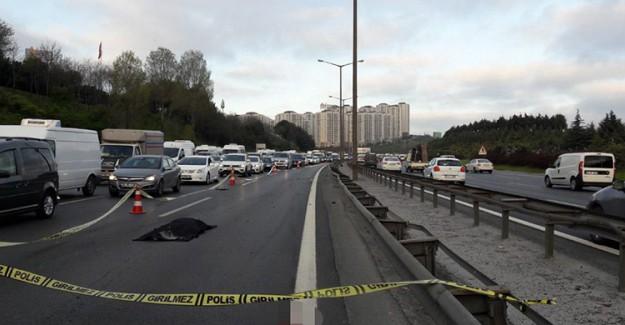 TEM'de Korkunç Kaza! Üzerinden Tam 3 Araç Geçti