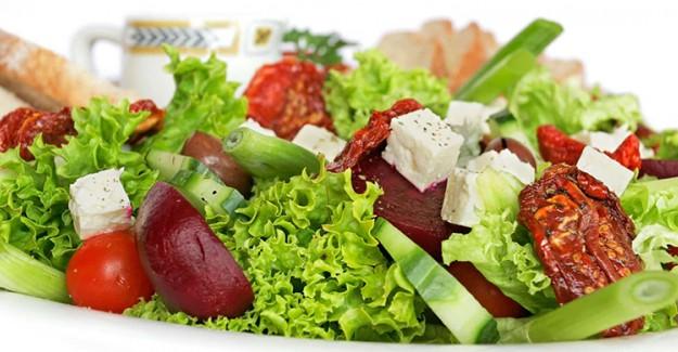 Tükettiğiniz Besinler Cilt Sağlığınızı Etkiliyor!