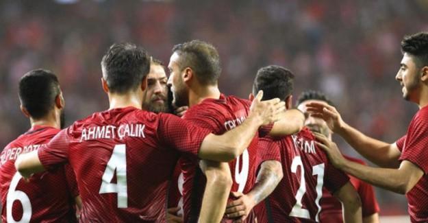 Türkiye-İzlanda Maçının Hakemi Belli Oldu!