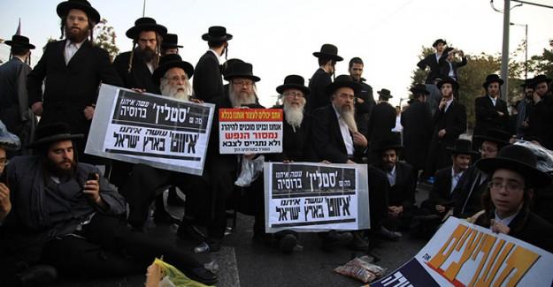 Yahudiler New York'ta İsrail'i Protesto Etti!
