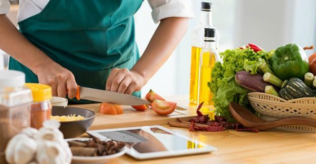 Yemek Yaparken Sizde Farkında Olmadan Bu Hataları Yapıyor Olabilirsiniz!