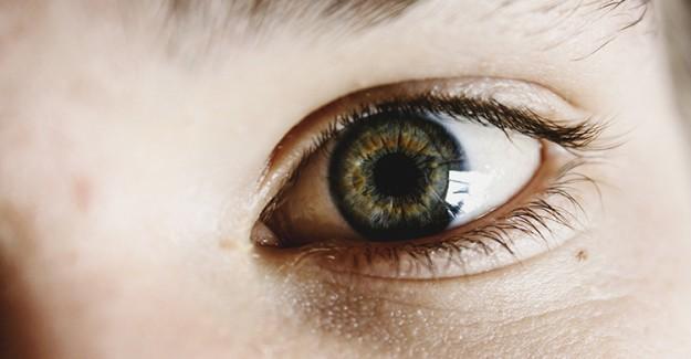 Yetişkinlerde Göz Kayması Ve Tedavisi!