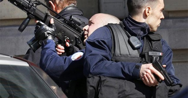 Yunanistan'da Bomba Alarmı! Üstelik 8 Adet