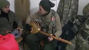 Asker Türkü Söylerse Böyle Söyler