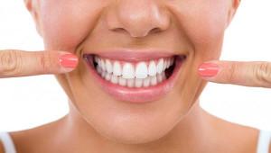 Evde Kolayca Hazırlanabilen Diş Beyazlatma Yöntemleri!