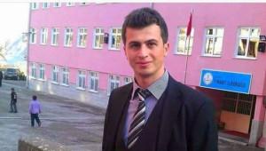 Necmettin Öğretmen İçin Canı Pahasına Türk Bayrağını Astı!