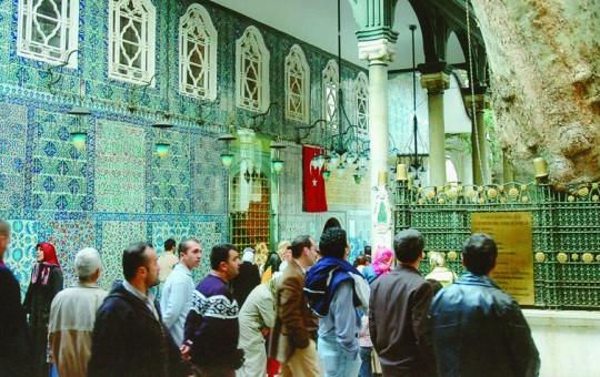 Ramazan'da Türbeler Dolup Taşıyor!