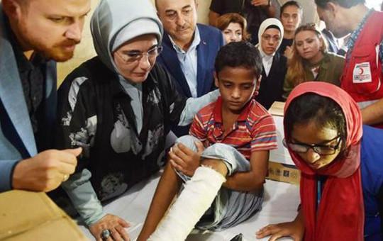 Emine Erdoğan Arakanlı Müslümanların Yaralarına Merhem Oldu