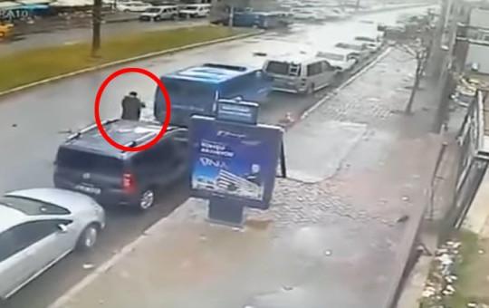 İZMİR'DEKİ TERÖRİSTİN VURULMA ANI!