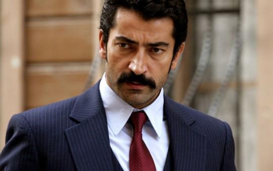 Kenan İmirzalıoğlu'nun O Görüntüsü Sosyal Medyada Büyük Ses Getirdi!