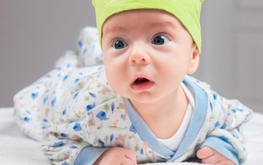 Bebeğinin Odasına Kamera Koyan Anne Görüntüleri İzledikten Sonra Şok Geçirdi!