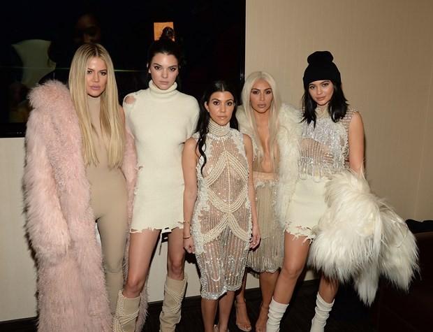 Kim Kardashian'dan Sonra Kendall Jenner da Soyguna Uğradı! - 1