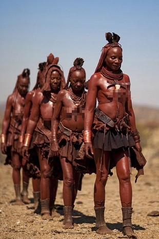 Yok Olmanın Eşiğindeki 55 Bin Yıllık Kabileden 15 Çarpıcı Fotoğraf - 1
