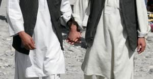 Arabistan'da Eşcinsel Olmak : Bakın O Atın Başına Neler Geldi !