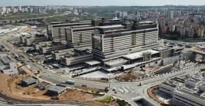Başakşehir Çam ve Sakura Şehir Hastanesi Bugün Hizmete Açılıyor