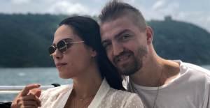Caner Erkin, Şükran Ovalı'ya Olan Aşkını Çatıya Yazdı