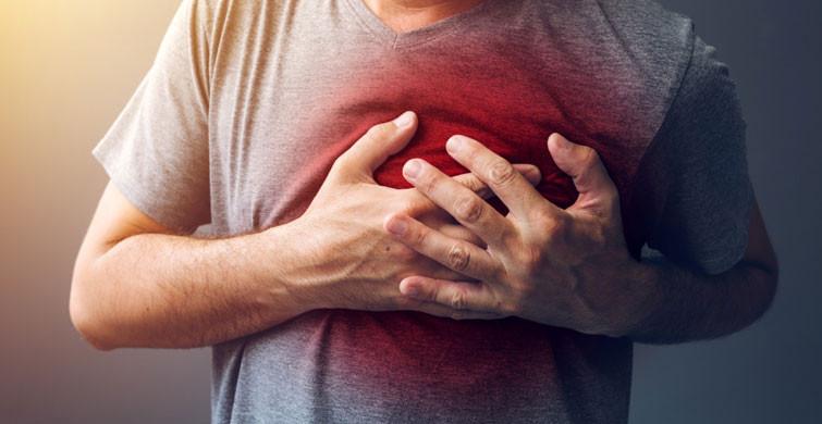 Kalp Krizi Geçirmeden 1 Ay Önce Vücudunuz Haber Veriyor