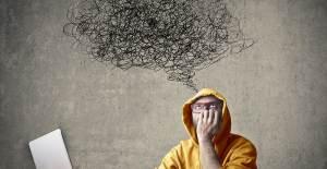 Zeki İnsanların Neden Mutlu Olamadığını 7 Sebeple Açıklıyoruz