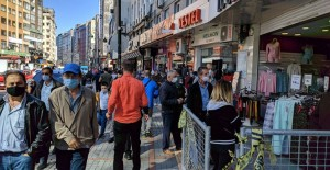Rize'de Cadde ve Sokaklar Doldu Taştı