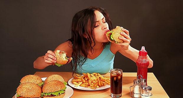 Sahurda, Ezan Okunurken, Ezanın Sonuna Kadar Yeme ve İçmeye Devam Edilir Mi?